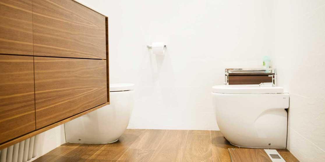 Interiorista Barcelona proyectos reformas viviendas baño aseo