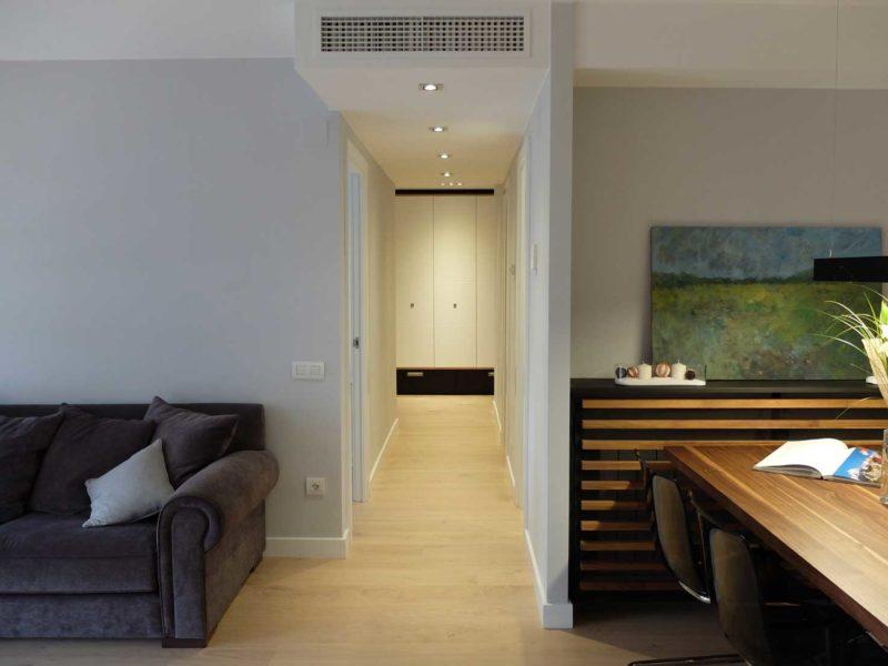 Interiorista Barcelona proyectos reformas vivienda pasillo