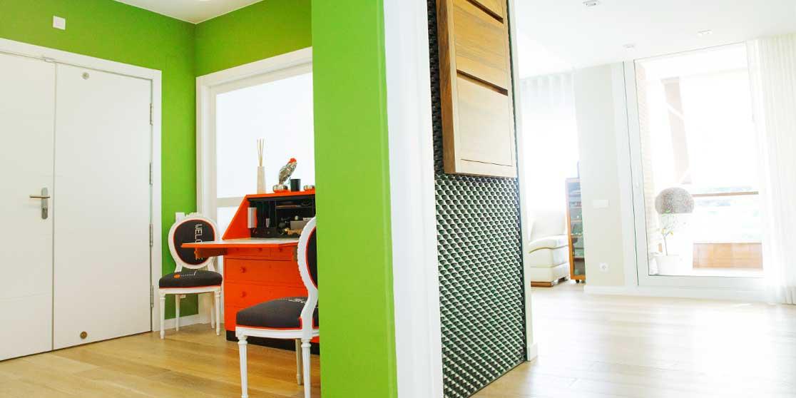 Interiorista Barcelona proyectos reformas viviendas entrada welcome buró