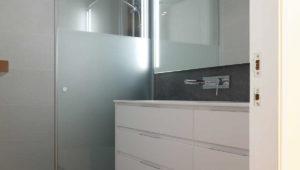 Interiorista Barcelona proyectos reformas viviendas Lavabo