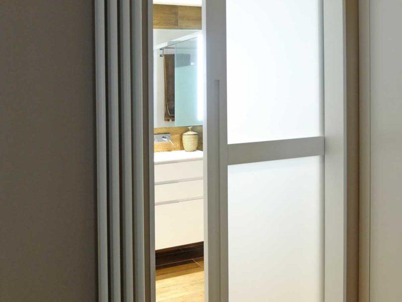Interiorista Barcelona proyectos reformas viviendas baño
